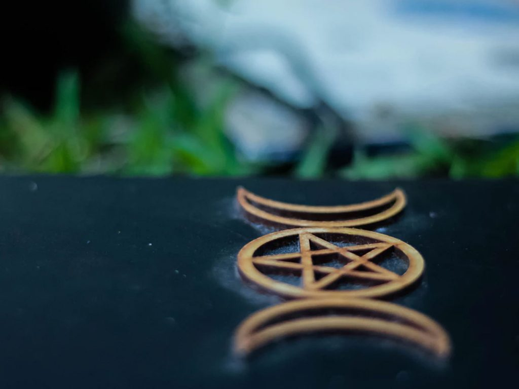 Wiccan Pentagram (Wiccan Star) Wallpaper